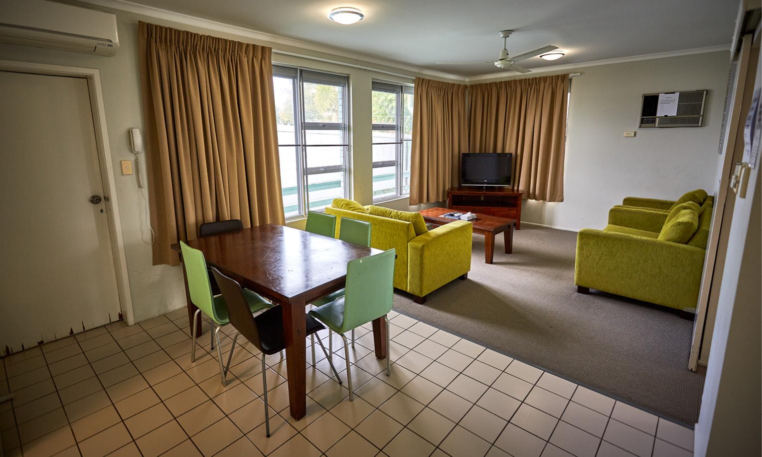 Anchorage Motel - Slider 5